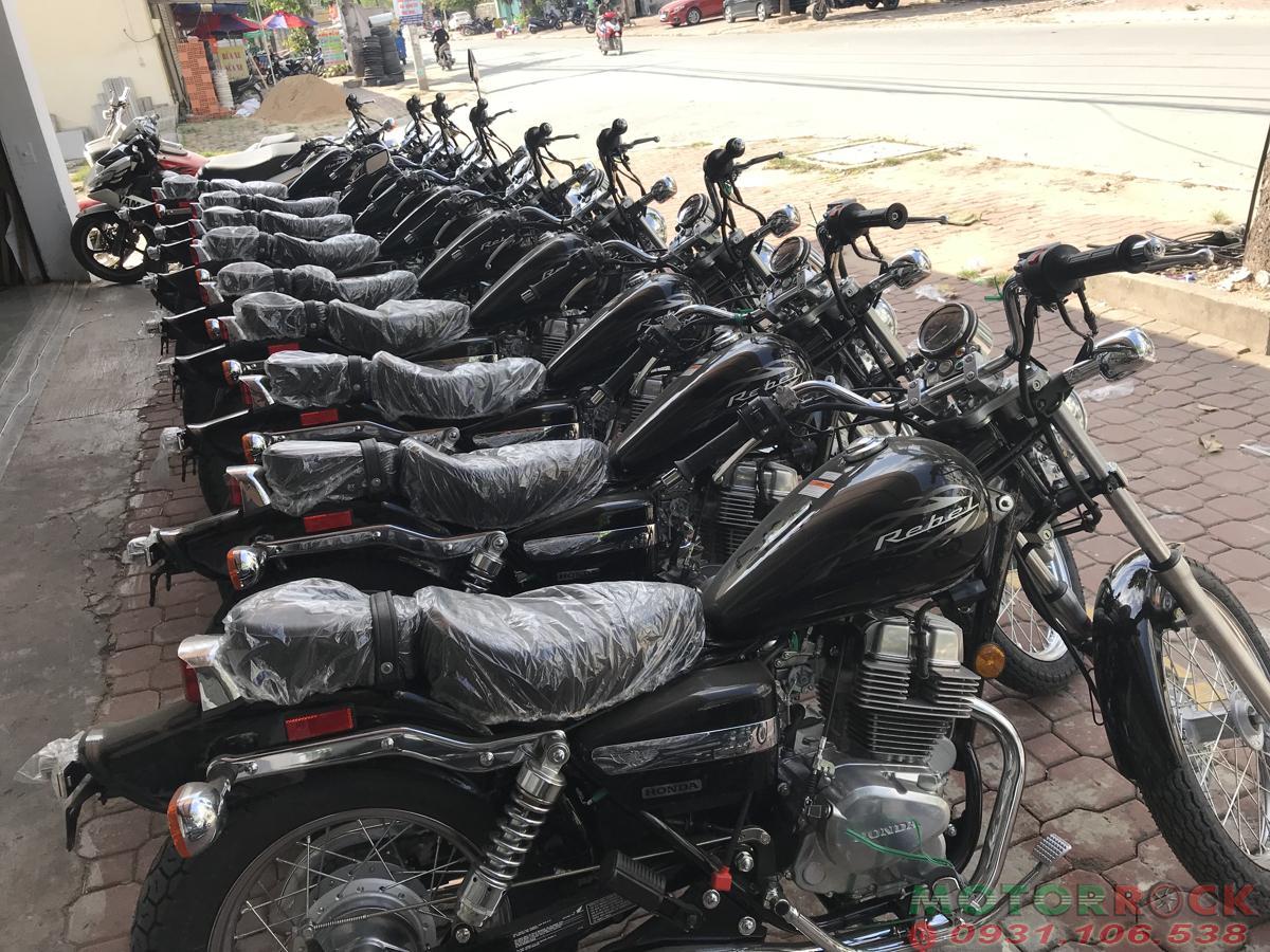 Cửa  nhóm hàng Tân Thuận
