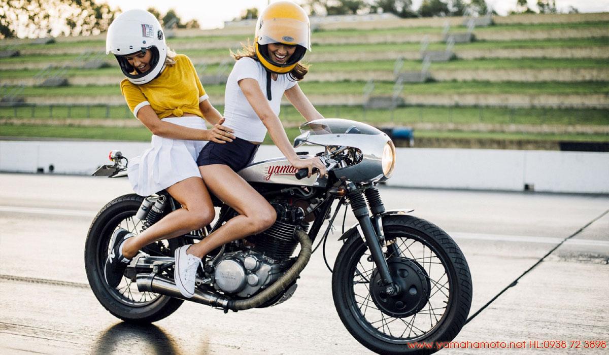 Yamaha-SR400-độ-cafe-racer-cho-em-dạo-phố