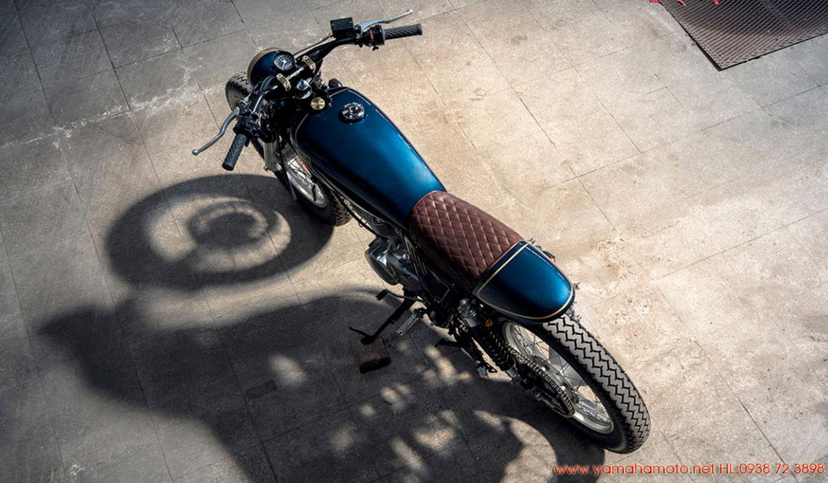 Yamaha-SR400-giá-rẻ
